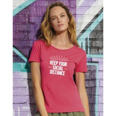 "T-Shirt Dames ""Keep Your Social Distance"""